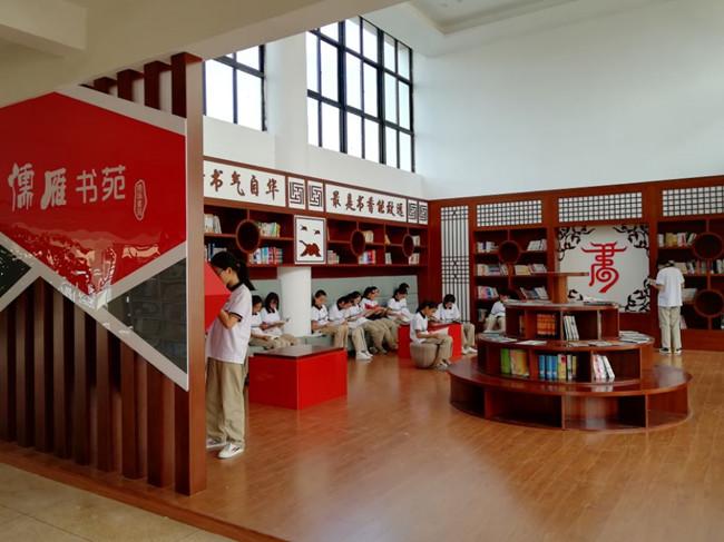 班级图书角,读书之星墙等,学校切实落实书香校园环境建设,努力营造一
