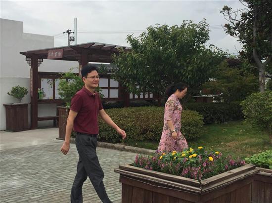 河南龚县街道风景图