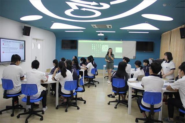与试讲相比,本次课堂展示更加丰富多彩,充分显示了信息技术与中职课堂