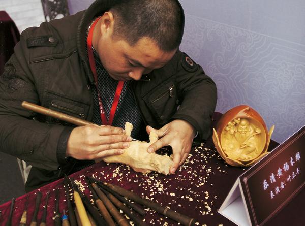 在保持神韵风格的原有黄杨和基础的木雕上盘纤教程图片
