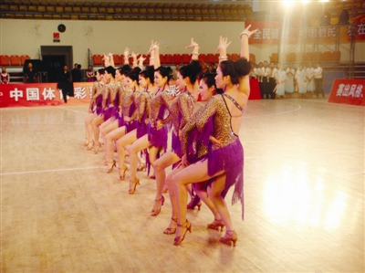 温州选手体育舞蹈大赛创佳绩