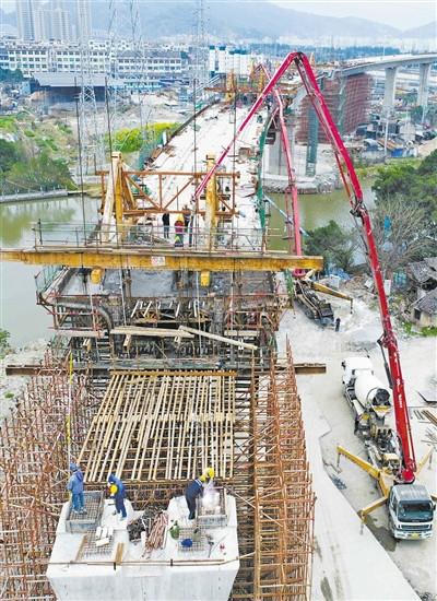 S1线一期涉铁工程下月底完成主体建设