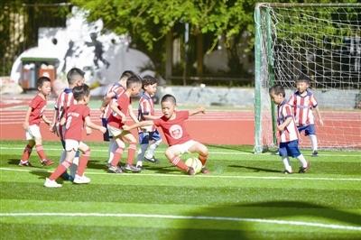 五彩足球(温州)青少年儿童足球对抗赛上演