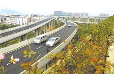 市区重点道路建设快马加鞭