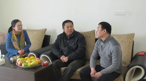 平阳:县教育局领导亲切看望慰问援疆教师代表