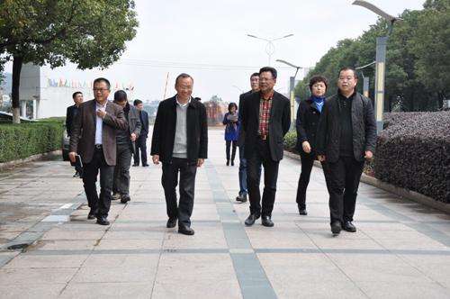 省教育厅副巡视员吴永良赴乐清瑞安等地检查开学工作