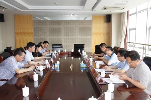 郑建海调研龙湾教育工作 强调全面深化美丽学校建设