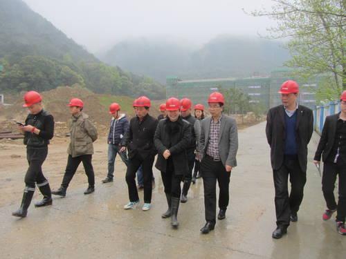 白炳兴赴温州三十一中工地现场调研基建工作